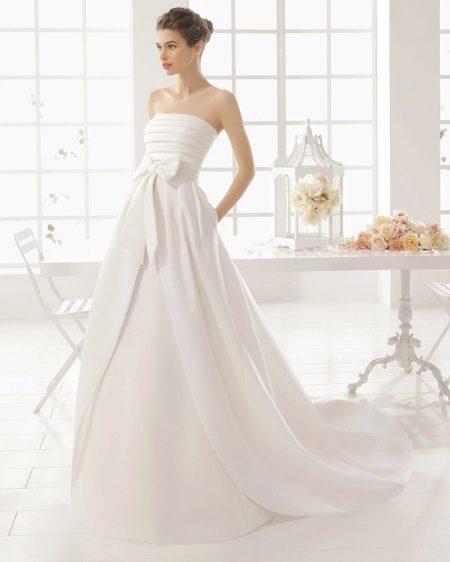 Атласное свадебное платье пышное 2016