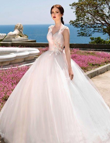 Свадебное платье с кружевом от Габбиано