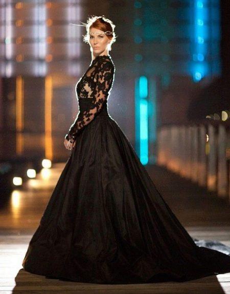 Черное платье а-силуэта свадебное