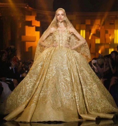 Свадебное платье прет-а-порте Эли Сааб