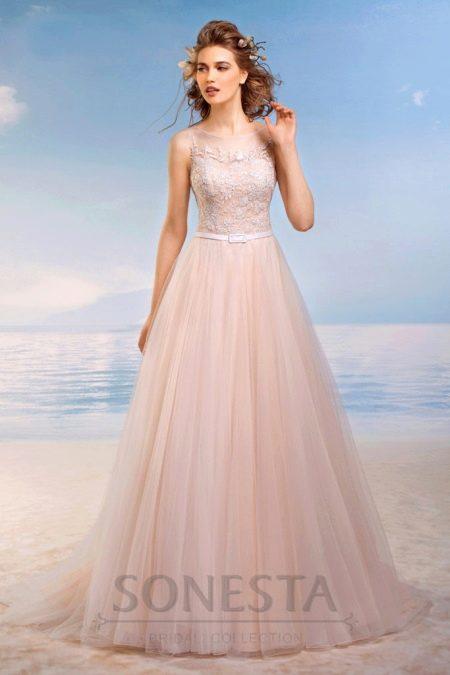 Цветное свадебное платье а-силуэта