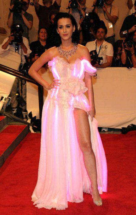 Вечернее платье с подсветкой от Кэти Перри