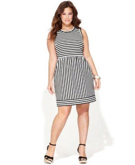 Вечернее платье в полоску для 54 размера
