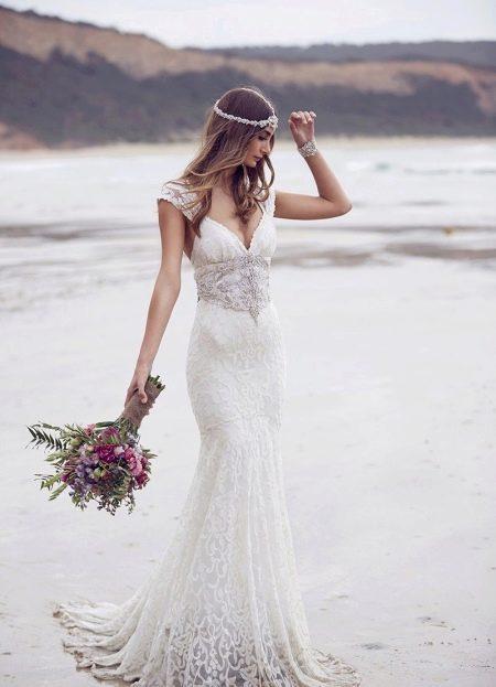 Свадебное платье в стиле ампир со шлейфом