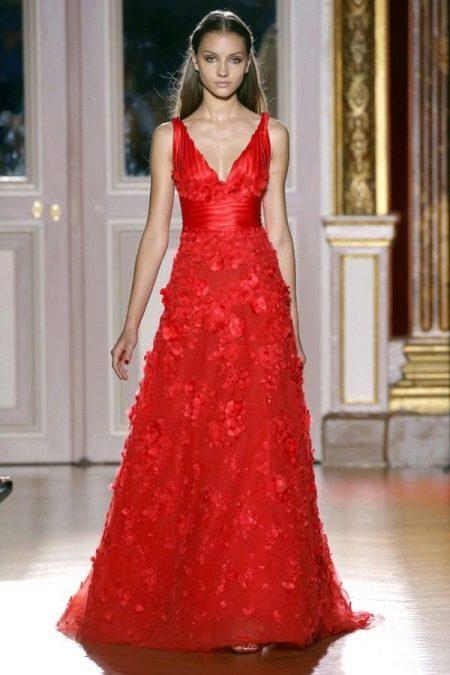Красное свадебное платье а-силуэта