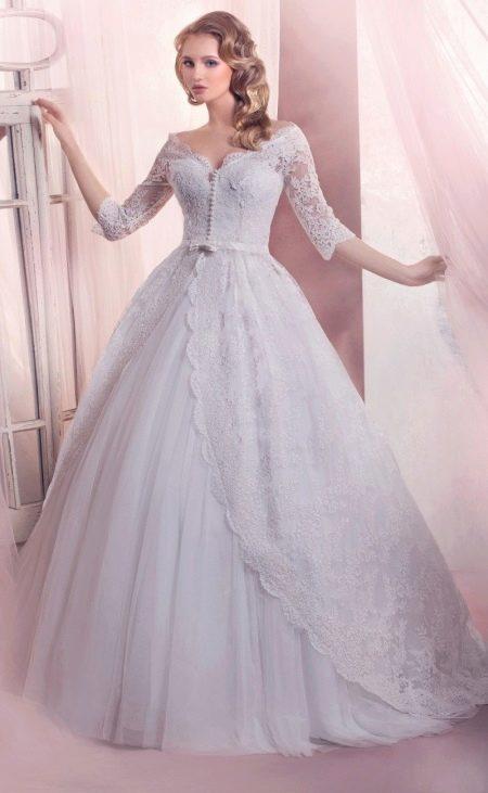 Свадебное платье пышное с рукавами в стиле принцесса