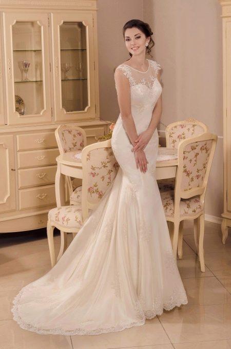 Свадебное платье со шлейфом рыбка