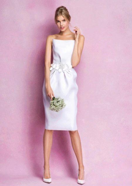 Элегантное короткое свадебное платье