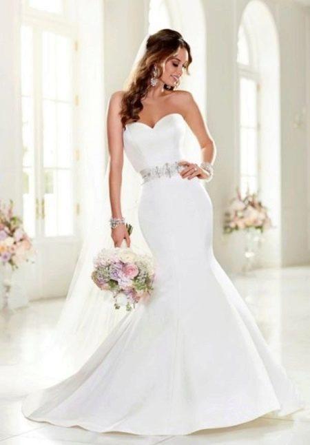Элегантное свадебное платье русалка
