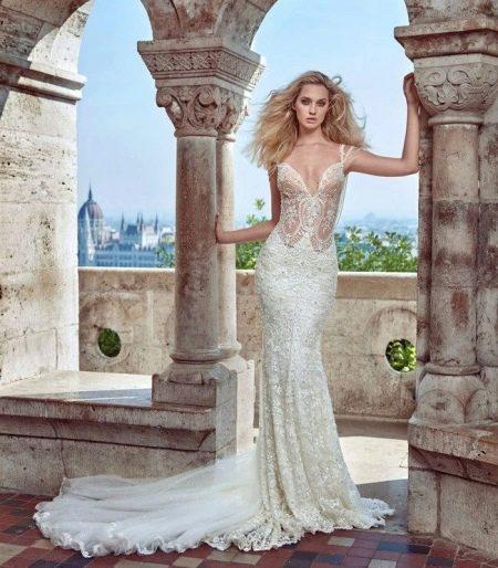 Свадебное платье с тонким кружевом