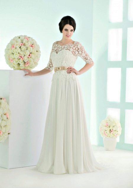 Свадебное платье с поясом от Василькова