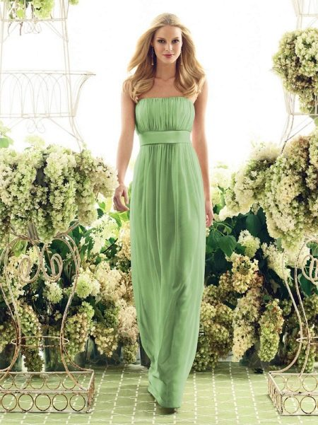 Зеленое вечернее платье для ресторана