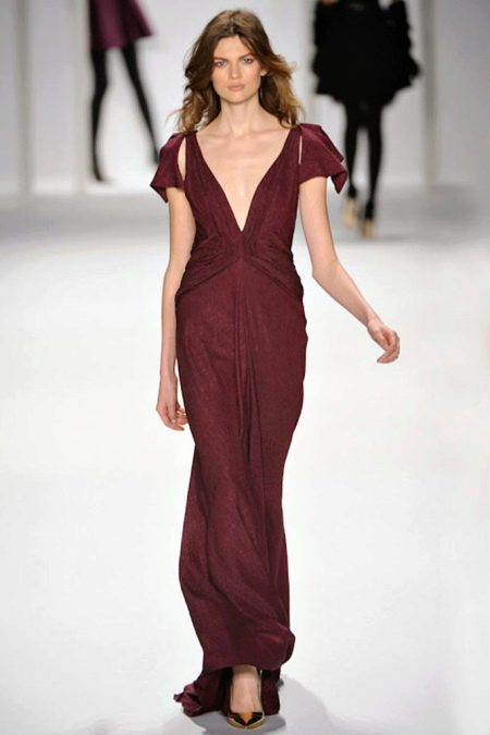 Шелковое вечернее платье бордовое