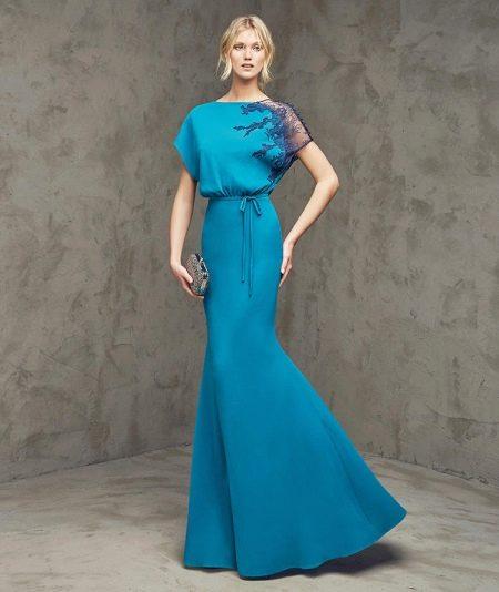 Вечернее платье в стиле минимализм