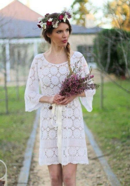 Короткое вязанное свадебное платье крючком