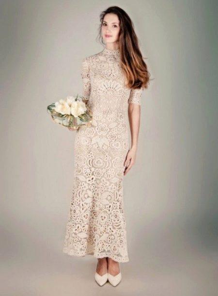 Свадебное платье вязанное крючком цвета айвори