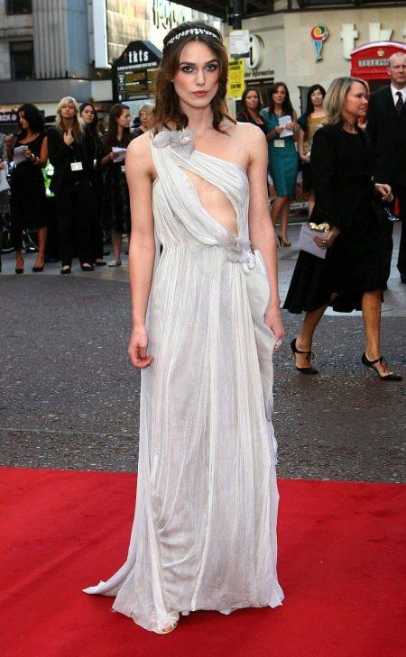 Вечернее откровенное платье Киры Найтли