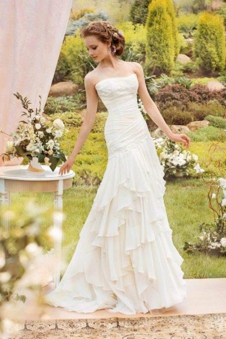 Свадебное платье с многослойной юбкой от Папилио