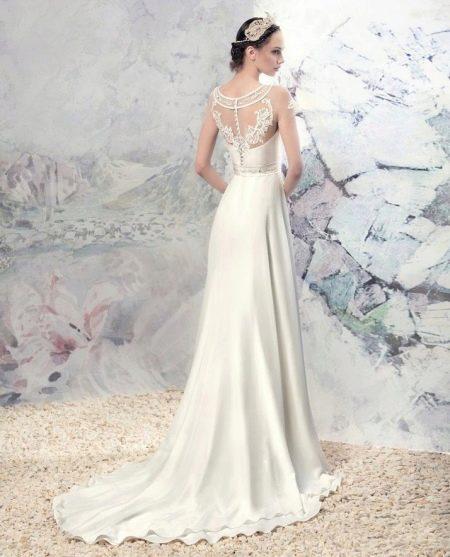 Свадебное платье от Папилио с иллюзией обнаженной спины