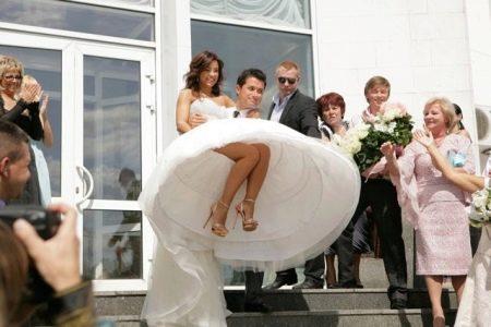 Свадебное платье с подъбником Ани Лорак