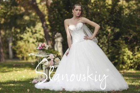 Свадебное платье от Слановски пышное со стразами Сваровски