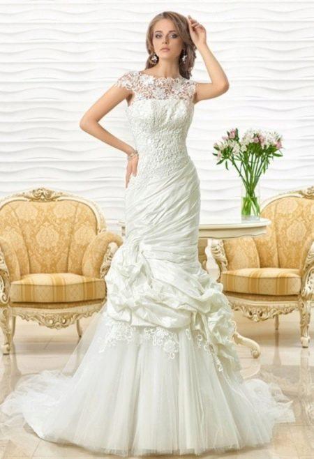 Свадебное платье русалка со сложным кроем