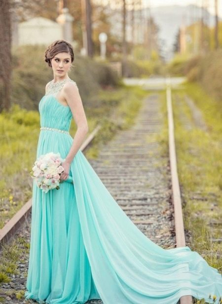 Бирюзовое платье оттенка тиффани