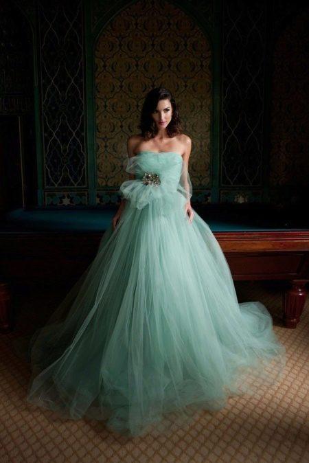 Пышное светло-бирюзовое платье