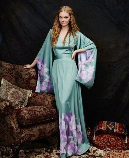 Вечернее платье-кимоно с длинным рукавом