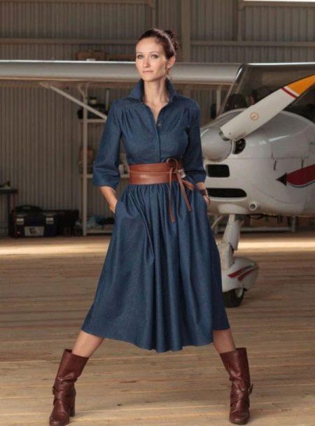 Джинсовое платье для торжественных случаев