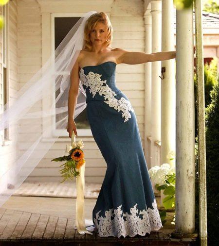 Свадебное джинсовое платье с кружевом