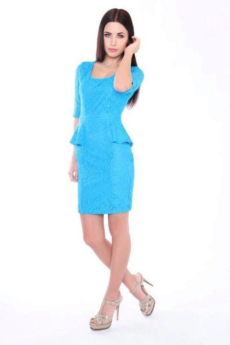 Голубое платье с баской