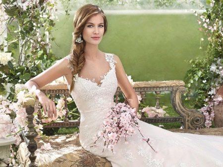 свадебное испанское платье на бретелях