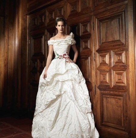 Свадебное платье от Раймондо Бундо пышное