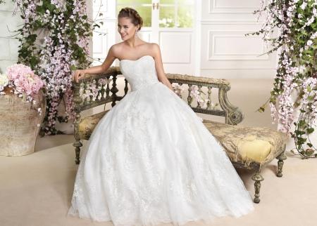 Свадебное платье от Фара Споса
