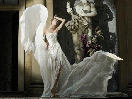 Свадебное платье от Чариад с кружевом