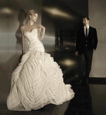 Свадебное пышное платье многоярусное