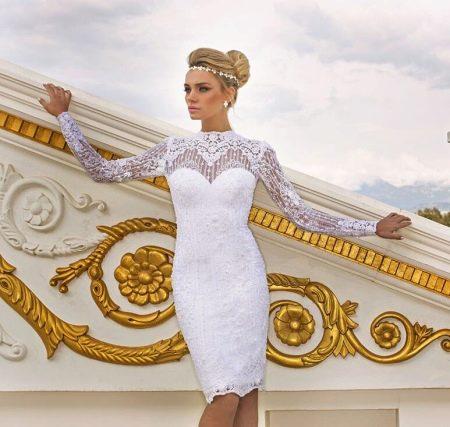 Короткое свадебное платье закрытое
