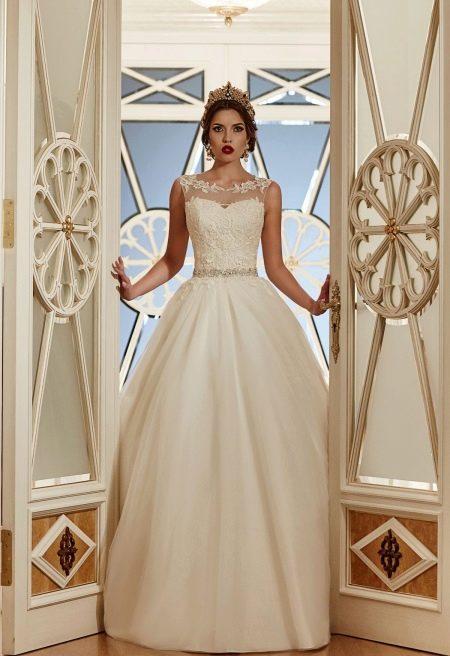 Свадебное платье классическое