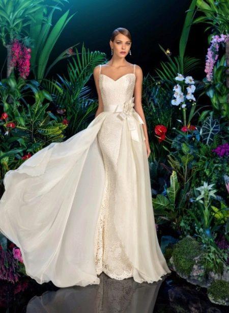 Свадебное платье из коллекции Moon Light от Kookla  на бретелях