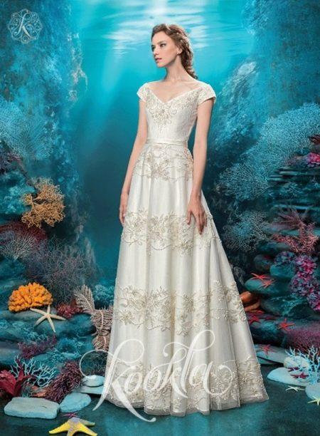 Роскошное свадебное платье от Куклы с жемчугом