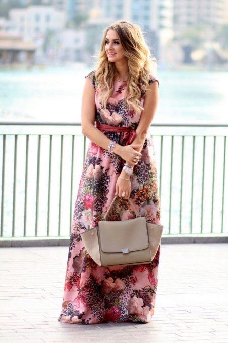 Цветочный принт с леопардовым в платье