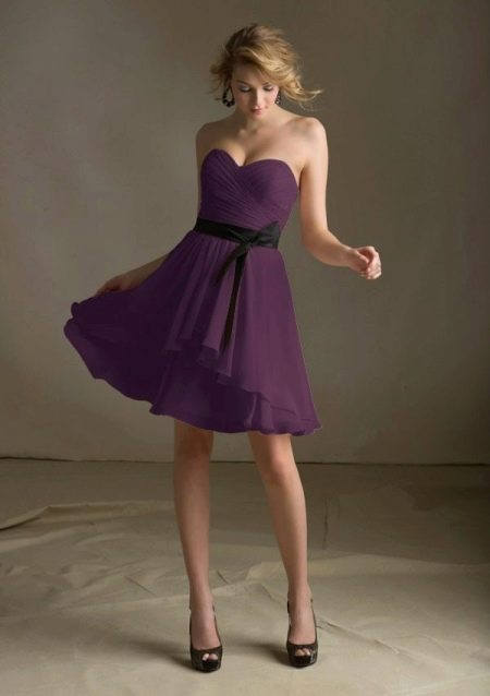 Платье средней длины цвета баклажан