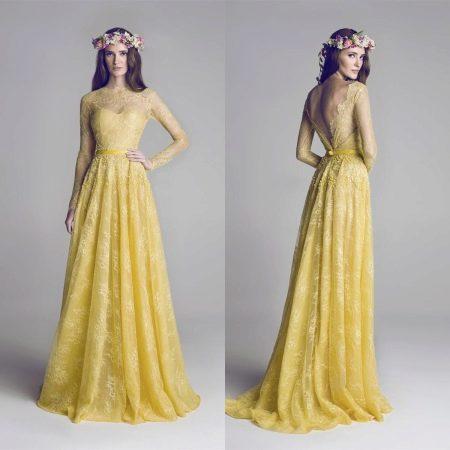 Очень красивое горчичное кружевное платье