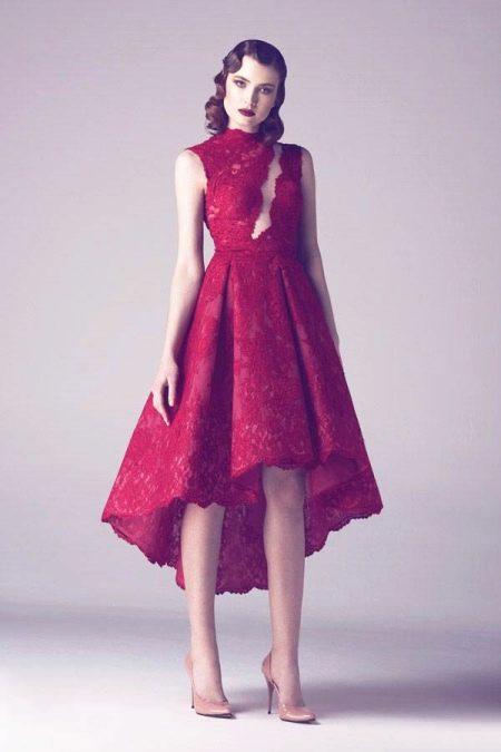 Ассиметричное малиновое платье