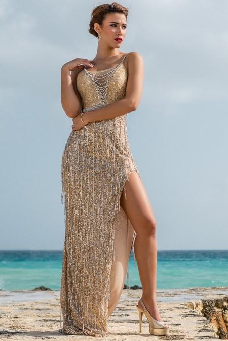 Красивое золотое вечернее платье