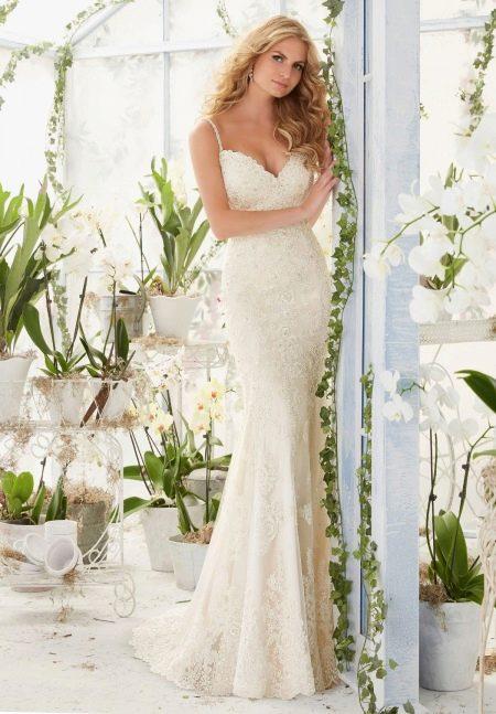 Прямое свадебное платье от Мори Ли