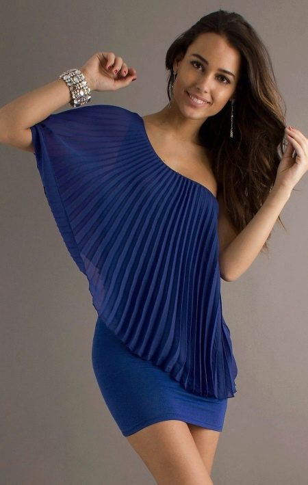 fb2eb1d09e5b543 Темно-синее платья: с чем носить, украшения и бижутерия, туфли ...