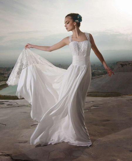 Свадебное платье с жемчугом от Тулипия
