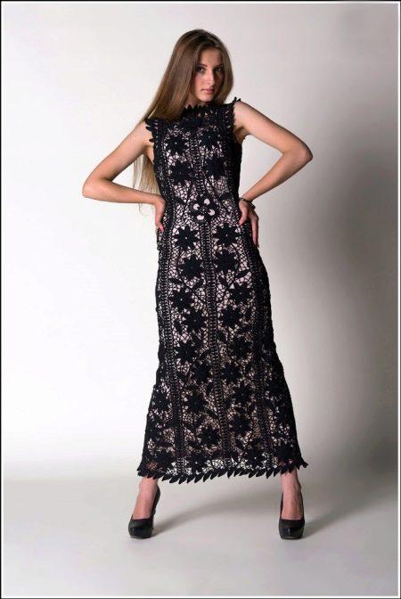 Черное вязаное платье в пол